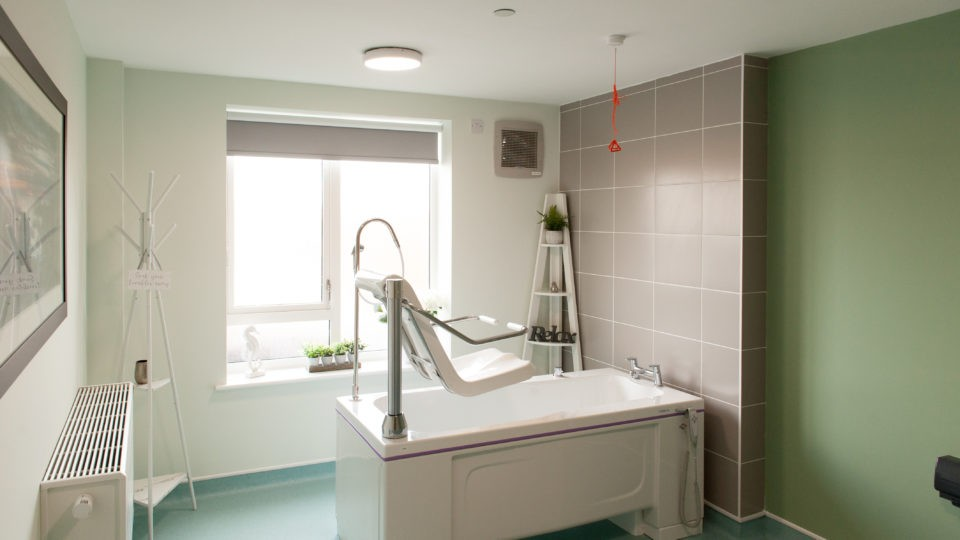 Bathroom showing bath and lift